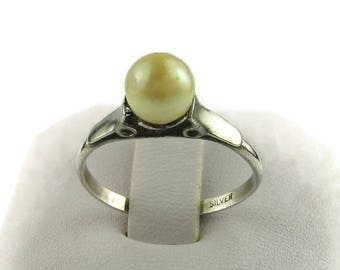 Vintage Silver Faux Pearl Ring