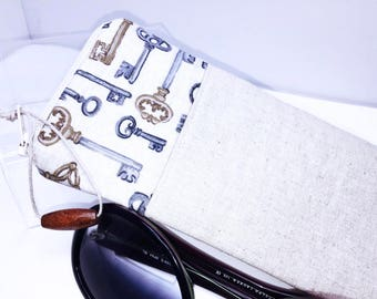 Skelton Key Glasses Case, Zip Top Eyeglasses Pouch, Linen Sunglasses Case, Fabric Glasses Case, Soft Eyeglass Case