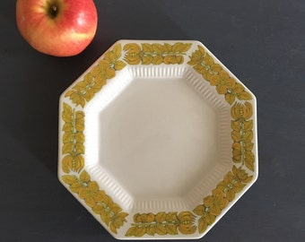 Lovely vintage oxtogonal Independence Ironstone Japan in Interpace - yellow botanical flowers on white ceramic salad / dessert plate!