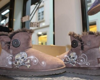 Custom painted Airbrush UGG Australia Boots Gold Skull Winterboots