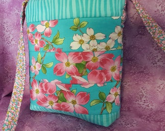 Dogwood Print Tote/Purse With Zipper Top
