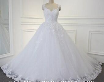 Ball Gown Wedding Bridal Dress Sleeveless Court Train Open Back Zipper Lace Flowers Sweetheart Neckline