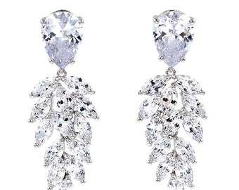 Sparkling crystal pendant earrings