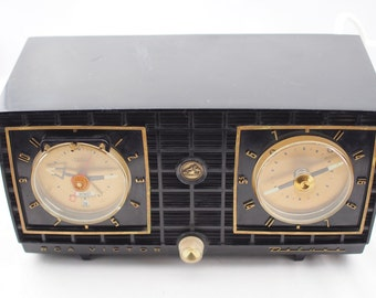Sale! Vintage RCA Victor Deluxe Tube Radio with alarm clock, Day and Date, His Master's Voice, RARE! Was_165.00