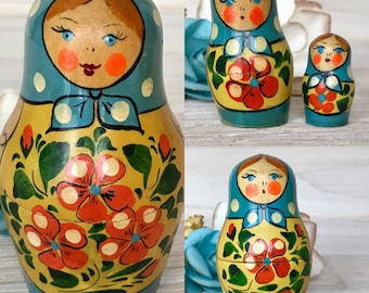Omsk, Siberia Russia Vintage USSR Nesting Dolls, Matryoshka Dolls, Russian Dolls, Stacking Set of Four, Unique Wooden Dolls. Siberian Art.