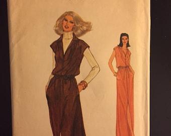 1960s Vogue Vintage dress Pattern- #7154 - size 10
