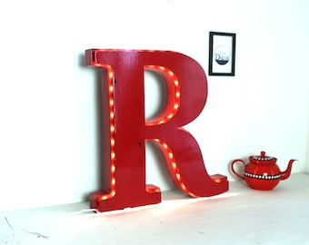 Giant bright letter R red - giant sign - great bright letter - mylittledecor - industrial lamp - deco industrial - man