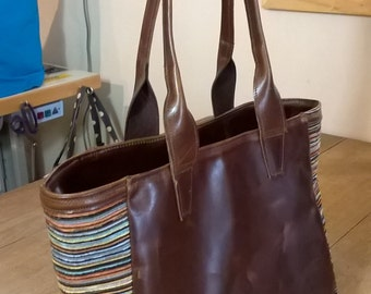 Ladies, medium, leather tote.  Suede lined. Internal separate leather clutch bag. The Zohreh.