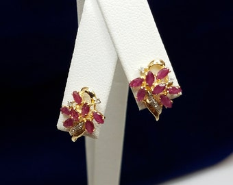 18KT Yellow Gold Diamond & Ruby Earrings - 10.CW311