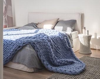 Ohhio's Grande Punto Large blankets. Chunky blanket. Giant knit. Cozy throw. Merino wool.