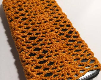 Crochet iPhone case, crochet accessorise, orange bright phone case, great gift for beloved one