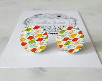 Wooden disc stud earrings