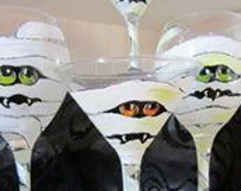 Mummy Martini or Wine Glass. Hand Painted Halloween Decor