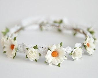 White daisy flower crown - Daisy Floral crown - Daisies hair wreath - Flower girl halo - Rustic wedding Halo - Bridal hair boho crown