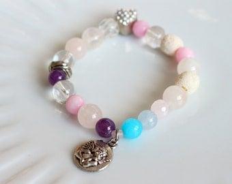 Beaded bracelet - Gemstone bracelet - Heart and angel bracelet - Stretch bracelet - Womens bracelet - Charm bracelet - Gemstone jewelry