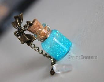 Glitter Bottle - Tiny bottle. Dust Plug. Phone Charm. Bow. Glitter. Cute. Bottle charm. Love. Glass vial. vial charm. Glass bottle. Summer