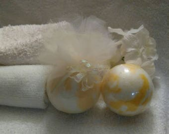 Honey Lemon Bath Bomb~Large  Bath Bomb~Yellow Bath Bomb~Lemon Bath Bomb~Swirled Bath Bomb~Lemon Honey~Honey Bath Bomb~