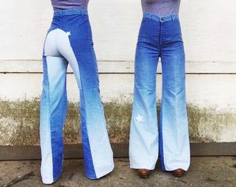 Vintage 70s High Waisted Ombré Denim White Embroidered Star Saddleback Hippie Bell Bottom Jeans 27 x 32