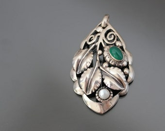Jugendstil THEODOR FAHRNER Pendant Silver 800 Repousse Art Nouveau Chrysoprase Floral Arts And Crafts. Antique Designers Jewelry