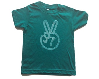 peace sign shirt | second birthday shirt, two shirt, two year old birthday shirt, boho baby, hippie baby clothes, toddler gift, EVERGREEN