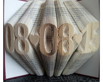 Folded Book Art - Paper Anniversary - Personalized Gift - 1st Wedding Anniversary - Gift for Her - Anniversaire de Mariage
