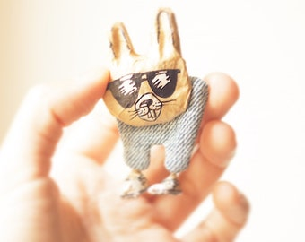 Brooch // Animal pin Saucy bunny, Paper mache brooches, Rabbit jewelry, Papier mache brooch