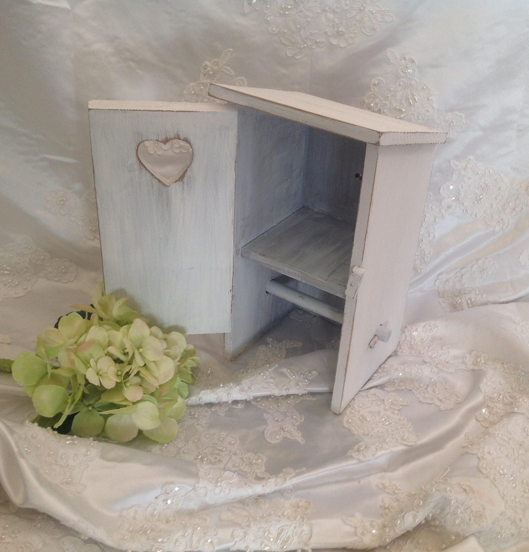 Outhouse toilet paper holder farmhouse shabby chic distressed for Toilette shabby chic