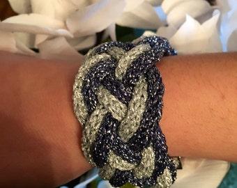 Bracelet manchette tricoté en lurex, fashion hand knitted bracelet, Christmas Eve, Réveillon