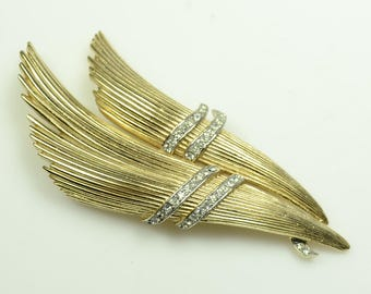 Trifari© Gold Plated Pin with Tiny Clear Sparkling Rhinestones