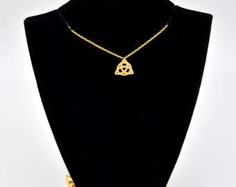 Metallic Dainty Golden Holy Tinity Knot Charm Chain Linked Necklace