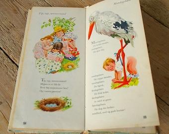 Vintage childrens book.Tall book of mother goose 1942.Danish.Nursery decor book.Gåsemor bog.Collectible.Color illustrations children rhymes