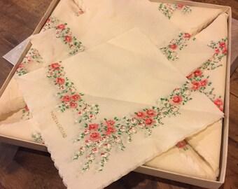 SHIPS FREE!! Vintage Floral Paper Napkins