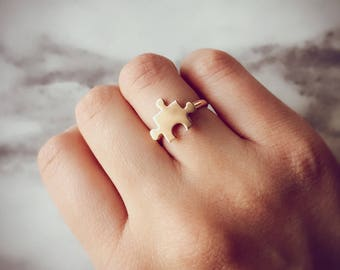 Rose gold jigsaw puzzle ring