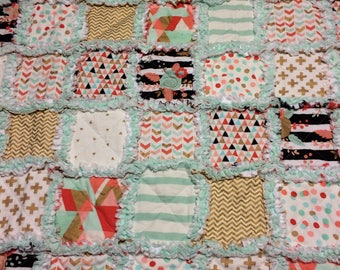 Coral, Mint and Gold Baby Quilt