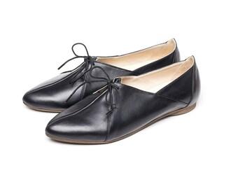 Sale 35% off! Black flat shoes, women shoes, women flat shoes, tie shoes, casual shoes, handmade leather shoes by Burlinca. Blur model