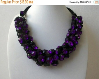 ON SALE Retro 1960s Black Mesh Etched Prong Set Chunky Heavier Faceted Beads Cluster Necklace 22817
