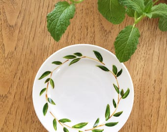 Bay Leaf wreath - hand painted plate