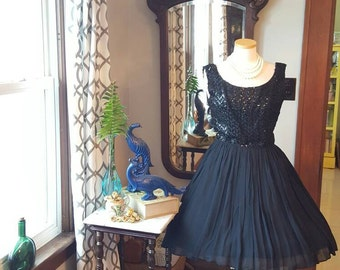 50s 50's Womens LBD Vintage Black Sequins and Chiffon Dress Party Formal Festive 1950s Medium M Full Skirt Sparkly Bust