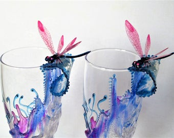 Hand painted champagne flute glasses, Wedding gift, Custom, Summer wedding, Toasting glass, Set of two, Bride and groom, Keepsake, Dragonfly