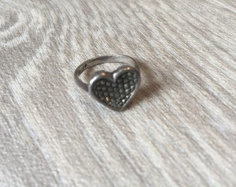 Vintage silver marcasite ring in heart shape size L 5/6
