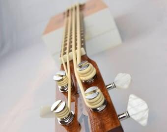 Carltone Big Payback Bass Ukulele - White