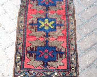 1'7X3'1Feet//51X95Cm//Madellion Design//Door Mat//Rug//Floor Rug//Vintage rug//Area Rug//Oushak rug//Turkish handmade rug,Aztec rug,Area rug