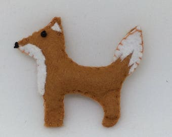 Felt fox brooch