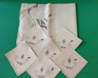 Vintage Italian Linen Tablecloth Set  With Six Napkins With Original Tags