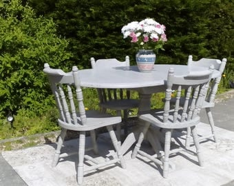 Lovely, Oval Dining Table and 4 Chairs. Shabby Chic, Paris Grey.