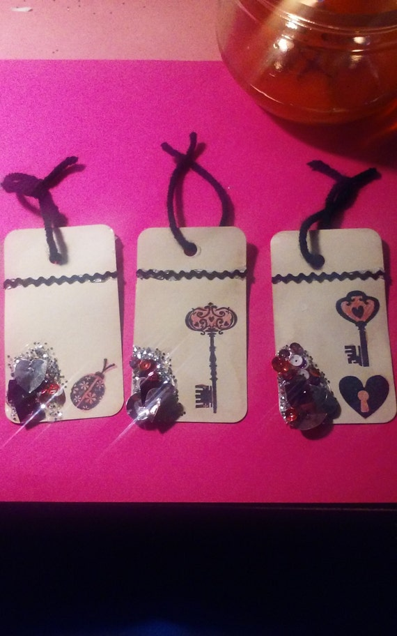 Valentine gift tags set of 3, set of 3 cream gift tags (coffee stained) with stamp, silver glitter and pink confetti