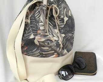 "Handbag ""Alois"" 2 in 1. Door back, shoulder, and hand."