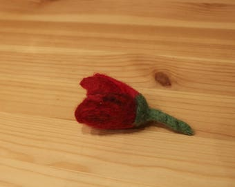 Mixed Reds And Dark Pinks 3D Tulip Brooch, Combination Of Wet And Needle Felting