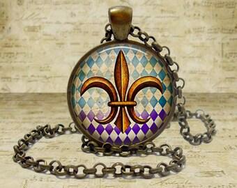 Fleur de Lis Jewelry Fleur De Lis Necklace New Orleans Symbol Jewelry Gold Fleur de Lis Mardi Gras Gift Fleur De Lis Keychain Keyfob
