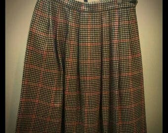 Vintage Plaid Skirt Houndstooth Pattern